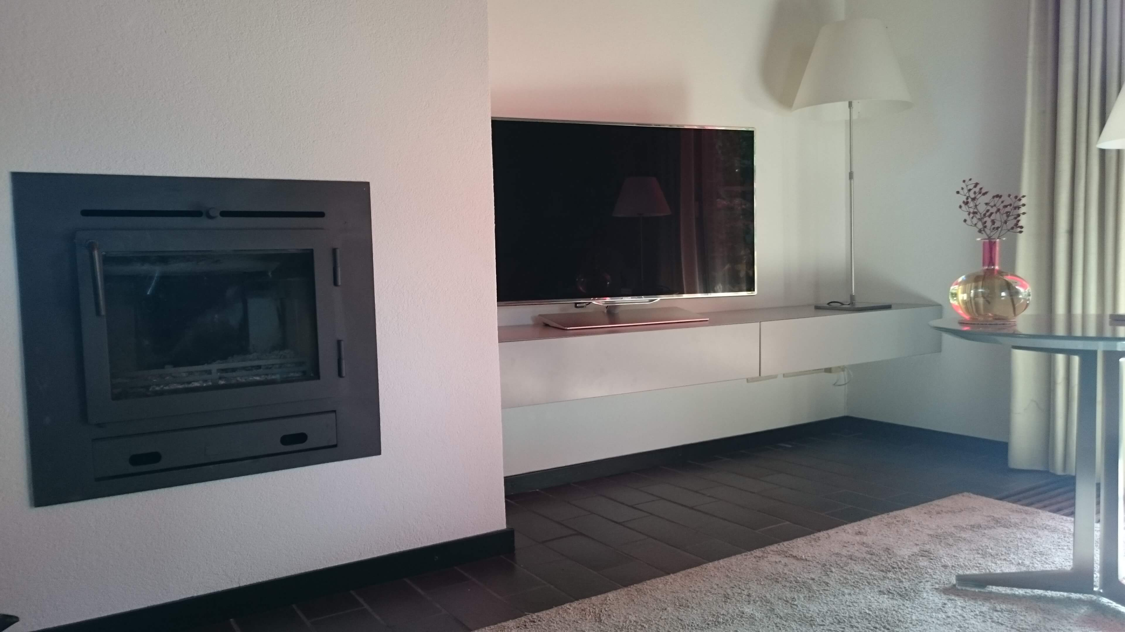 Tv In Muur : Lg w picture on wall oled superdunne tv die je op de muur plakt
