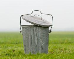 Zinken vuilnisemmers