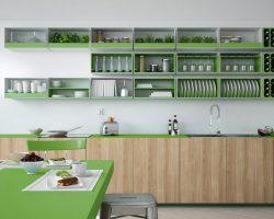 Een open keukenkast, omdat je keukenaccessoires gezien mogen worden!