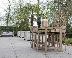 Mooie houten barsets voor in de tuin