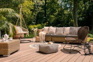 Kies je voor een loungeset of voor een diningset in je tuin?