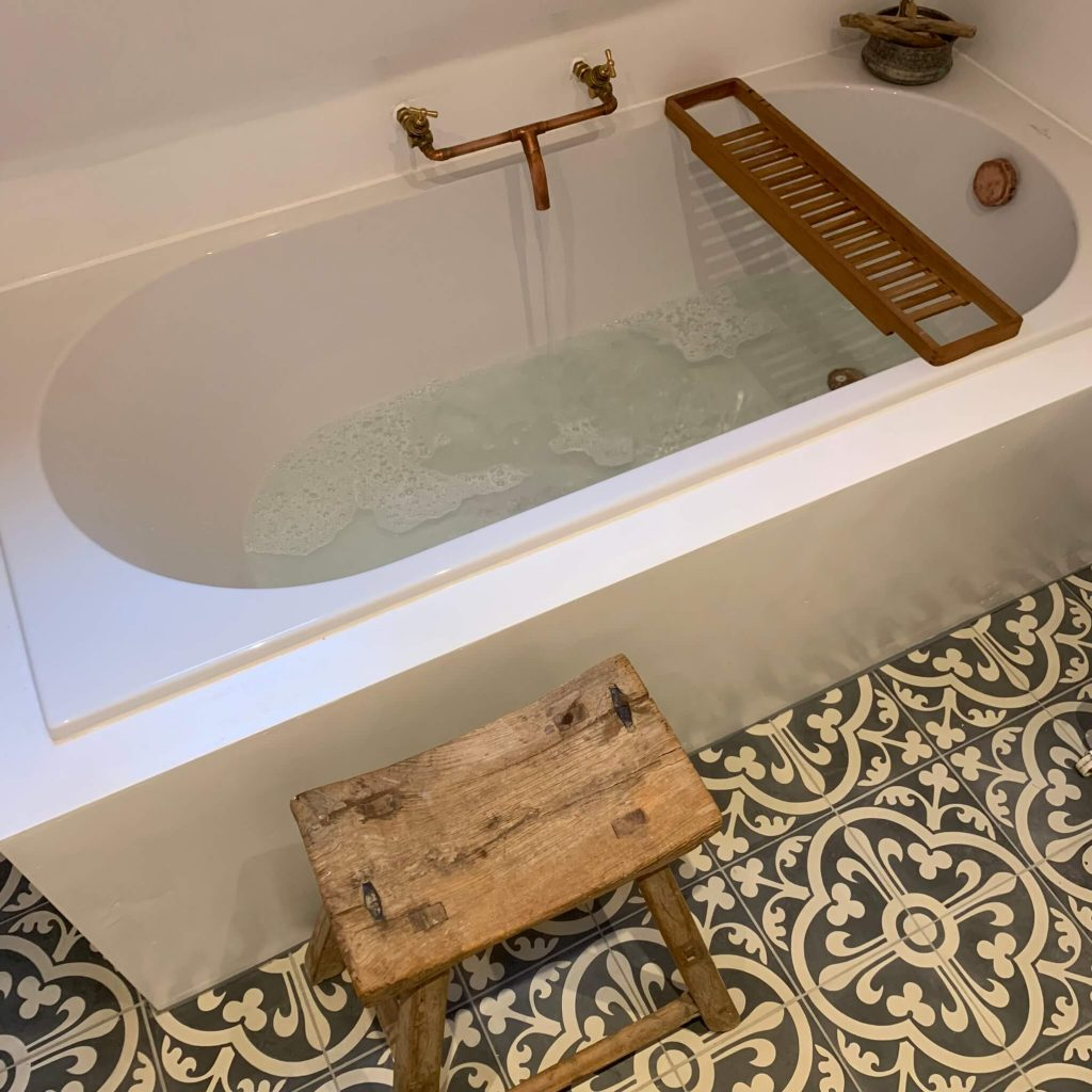 Portugese tegels badkamer FLOWERZ 12 (1)