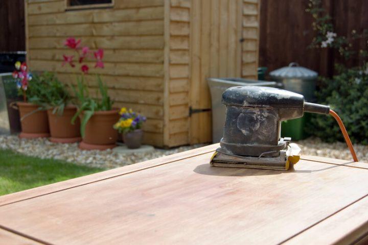 Ga je in de tuin klussen met tuinhout? Lees hier enkele handige tips voor het gebruik van tuinhout