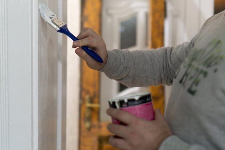 Een nieuwe lakverf voor de houten oppervlakken van je interieur
