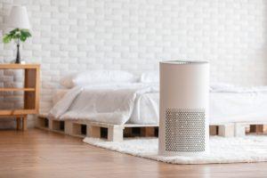 5 makkelijke manieren om je slaapkamer te verkoelen