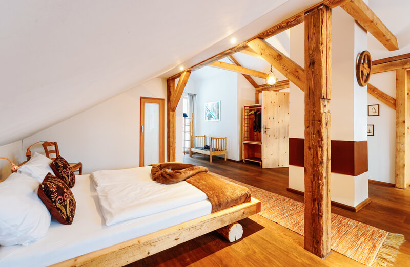 houten details in slaapkamer