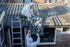 Wat moet je weten als je asbest wil laten saneren?