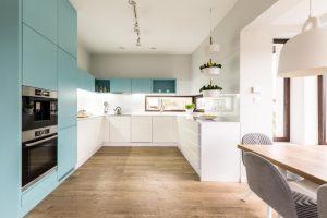 Dit zijn trendy kleuren voor in de keuken